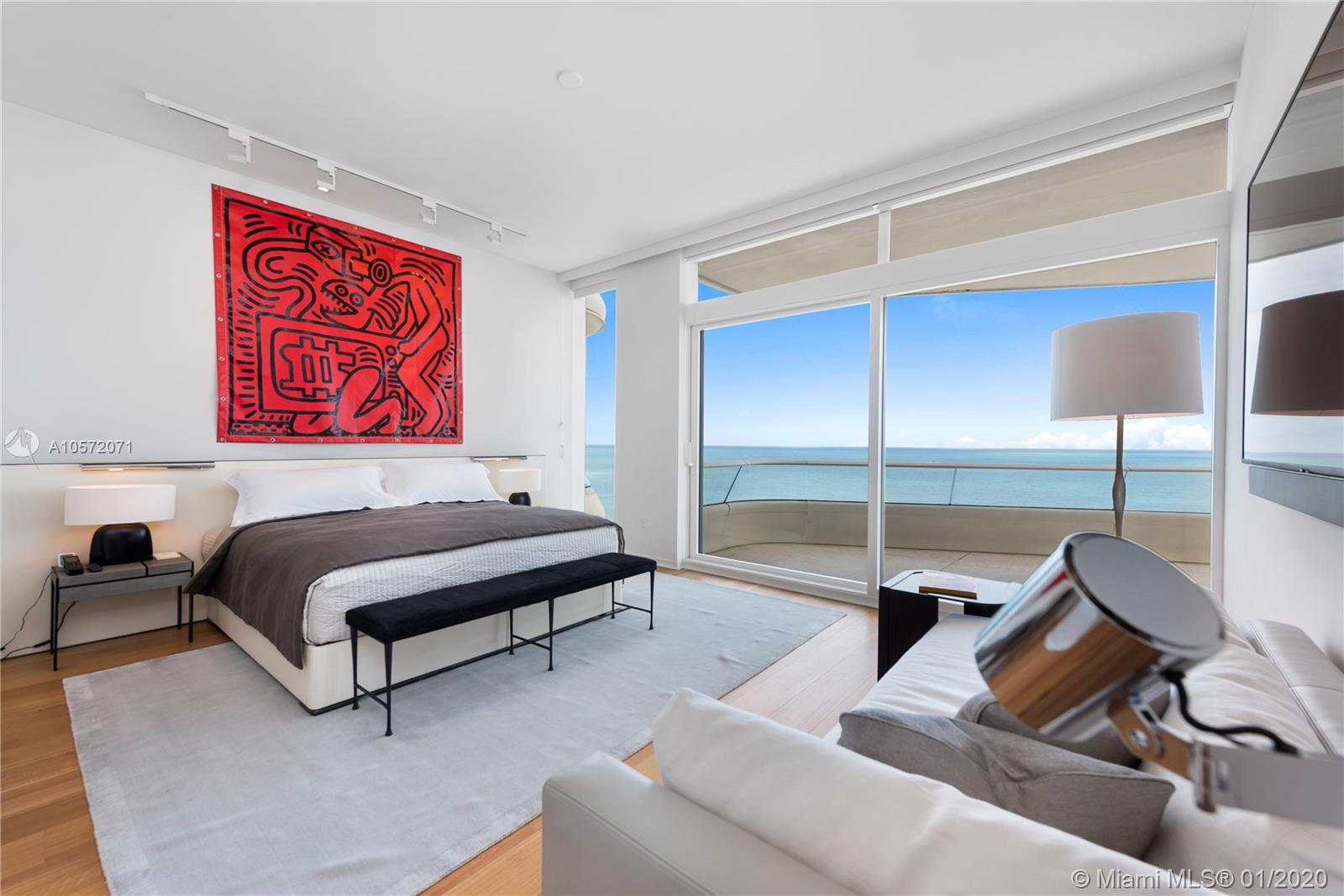 3315 Collins Ave, Unit #14B Luxury Real Estate