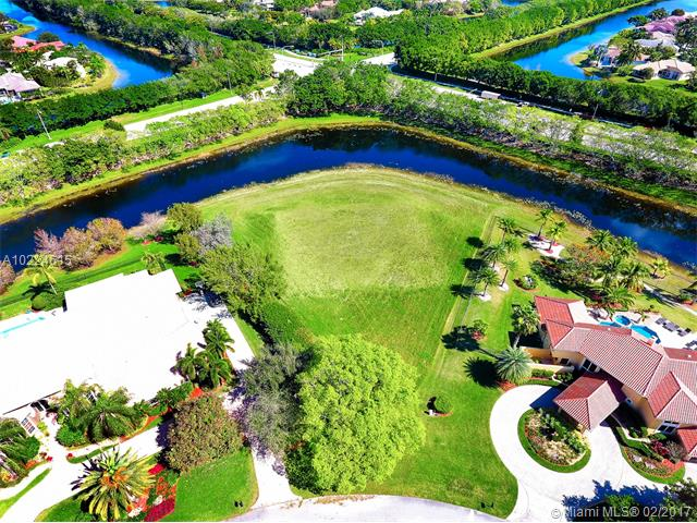 3764 Pine Lake Dr, Weston FL
