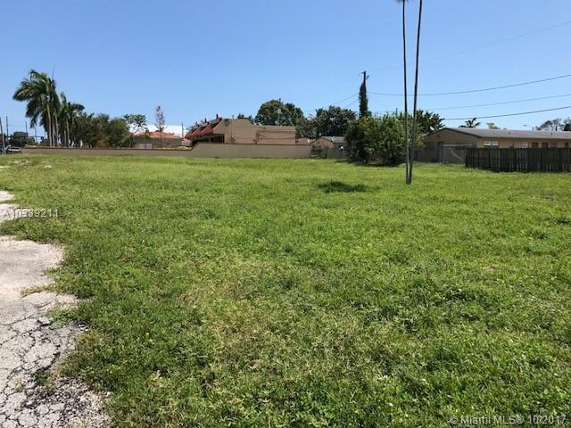 832 W Pembroke Rd, Hallandale FL
