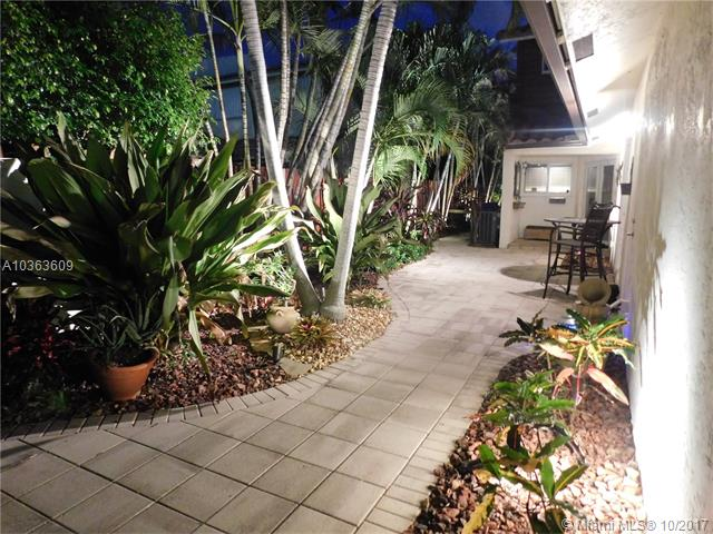 2526 NE 9th St, Fort Lauderdale FL