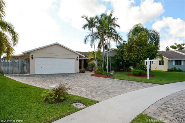 4233 NW 18th Ter, Oakland Park FL