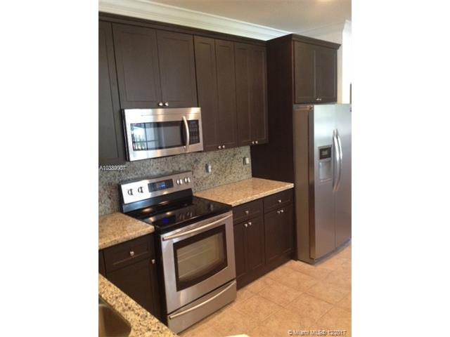 3872 Tree Top Dr, Unit #3872, Weston FL