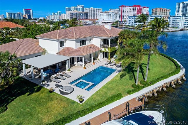 101 Holiday Dr, Hallandale FL