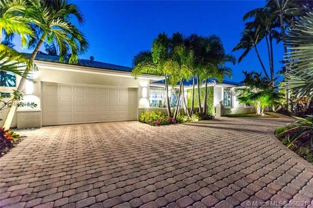 5561 Bayview Dr, Fort Lauderdale FL