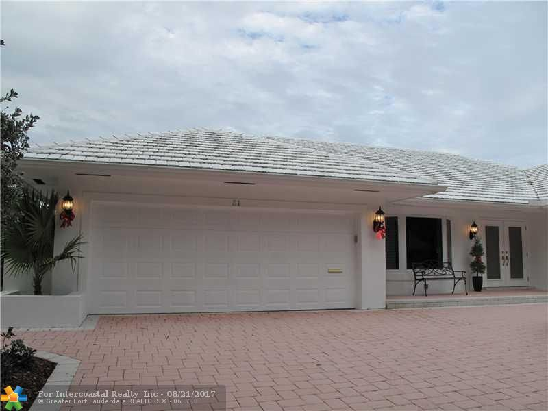 31 Bay Colony Dr