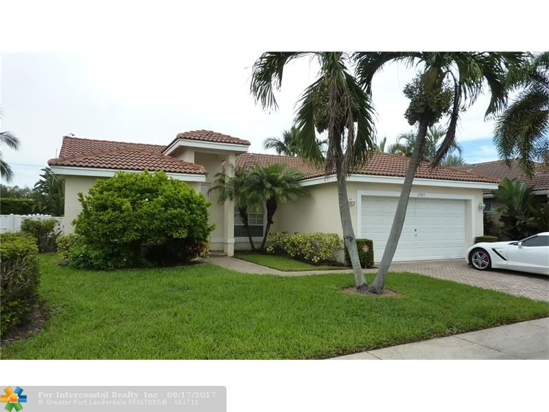 1983 NW 45th St, Oakland Park FL