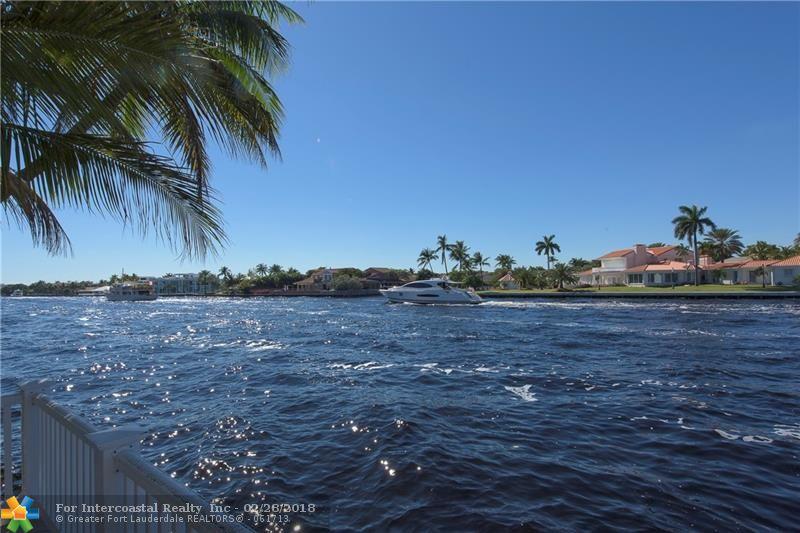 32 Seneca Rd, Sea Ranch Lakes FL