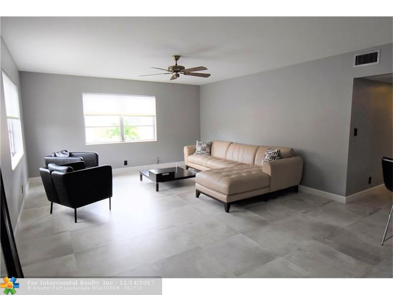 124 NE 19 Ct, Unit #204B, Wilton Manors FL