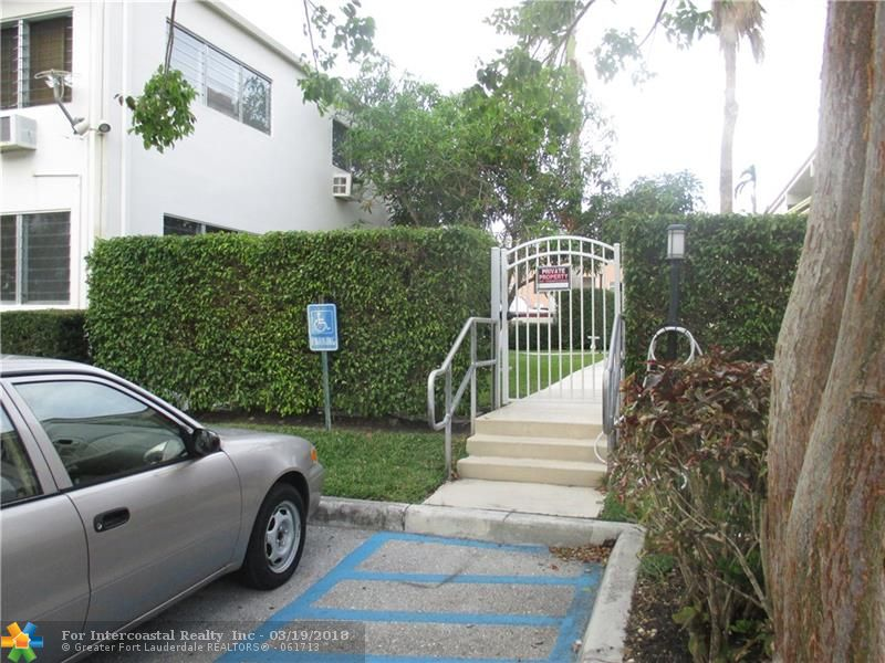901 N Birch Rd, Unit #B3, Fort Lauderdale FL