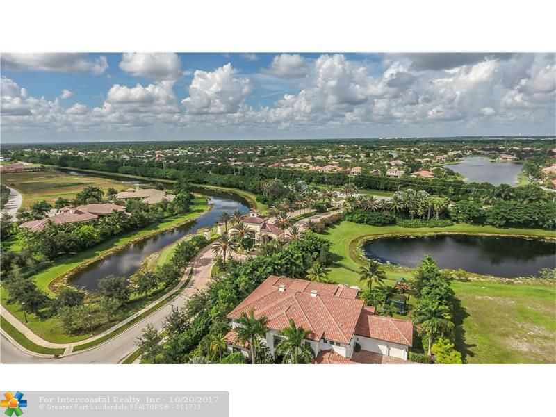 2973 Lake Ridge Ln, Weston FL