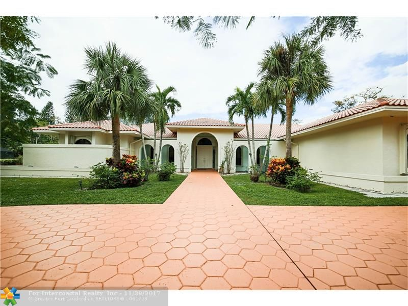 5200 Whisper Dr, Coral Springs FL
