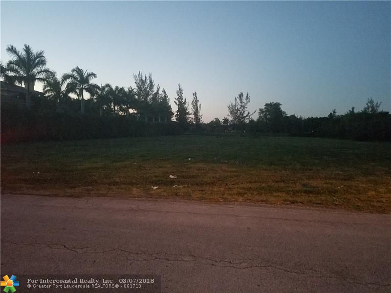 12361 NW 8th St, Plantation FL