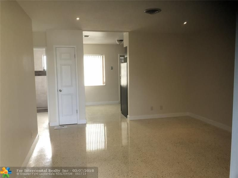 2441 NW 9th Ter, Wilton Manors FL