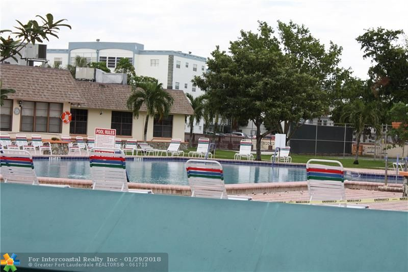 4000 NW 44th Ave., Unit #303, Lauderdale Lakes FL