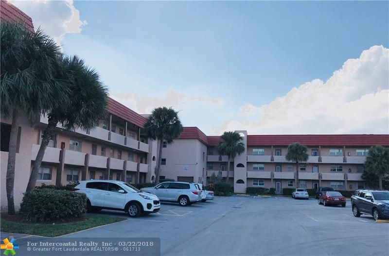 2831 Sunrise Lakes Dr, Unit #211, Sunrise FL