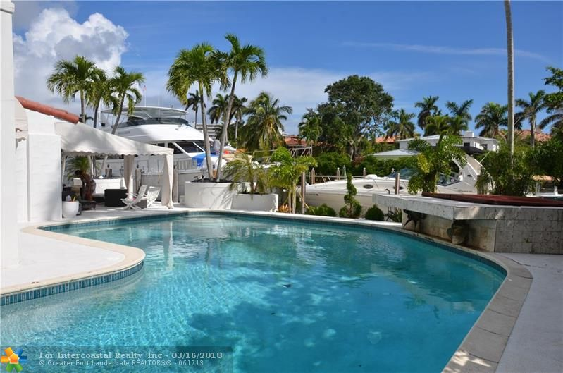500 W Royal Plaza Drive, Fort Lauderdale FL