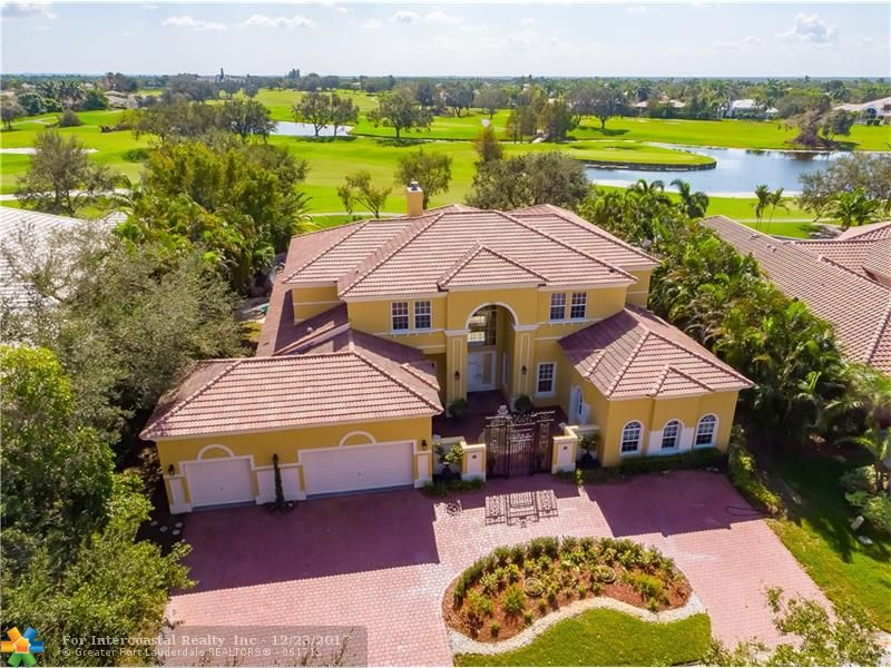 1900 Colonial Dr, Coral Springs FL