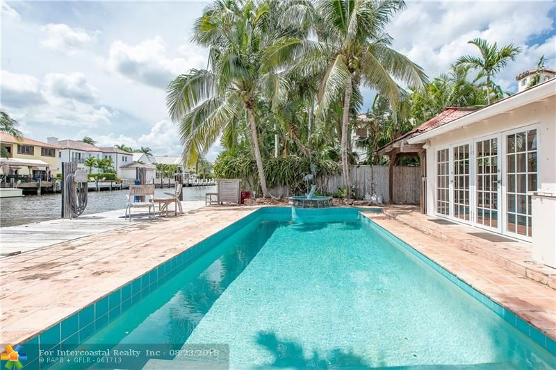 449 Coconut Isle Dr, Fort Lauderdale FL