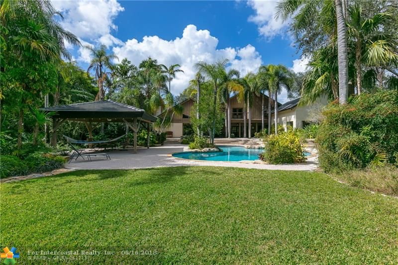 9500 NW 42nd Ct, Coral Springs FL