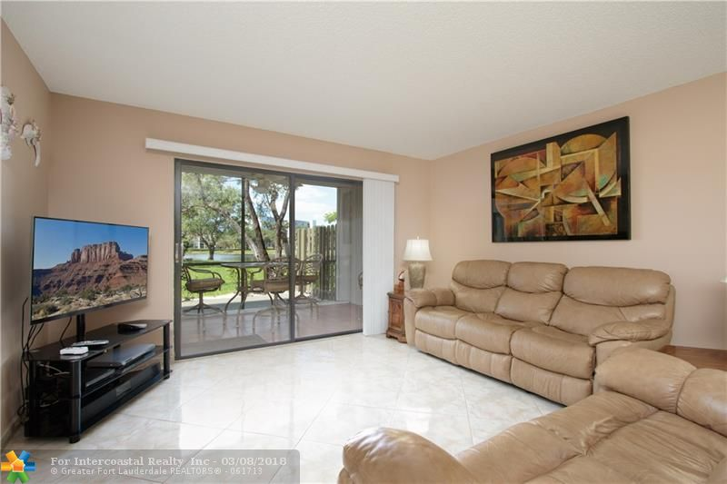 2112 S Cypress Bend Dr, Unit #105, Pompano Beach FL