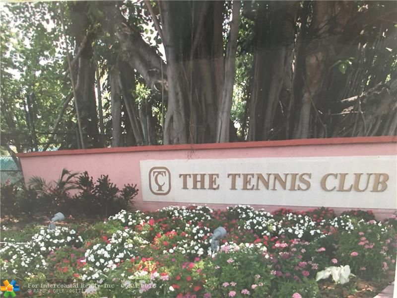 620 Tennis Club Dr, Unit #304, Fort Lauderdale FL
