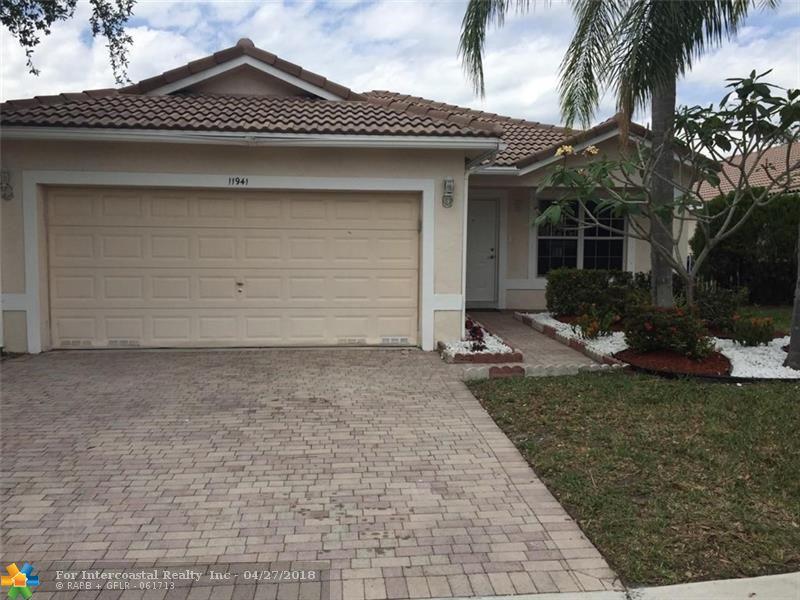 11941 SW 7th St, Pembroke Pines FL