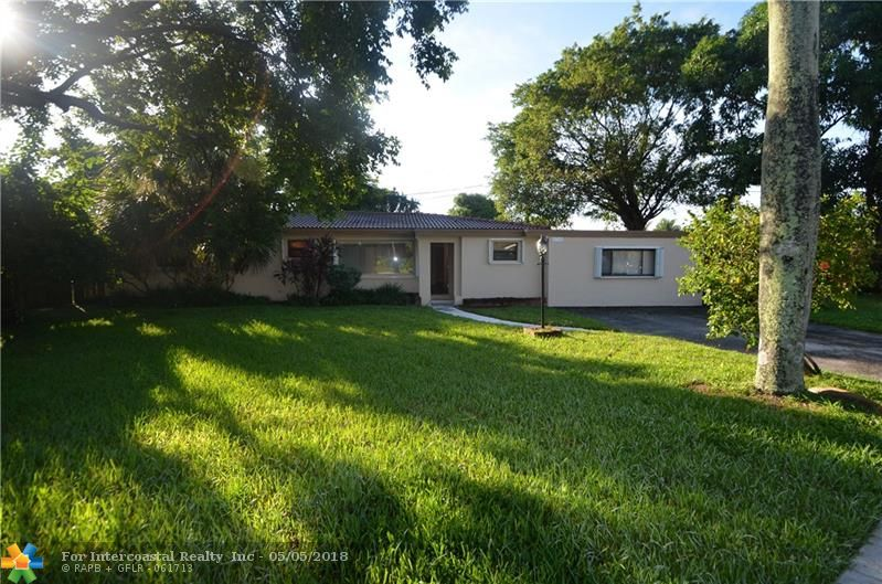2740 NW 9th Ln, Wilton Manors FL