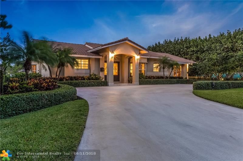 3 Gatehouse Rd, Sea Ranch Lakes FL