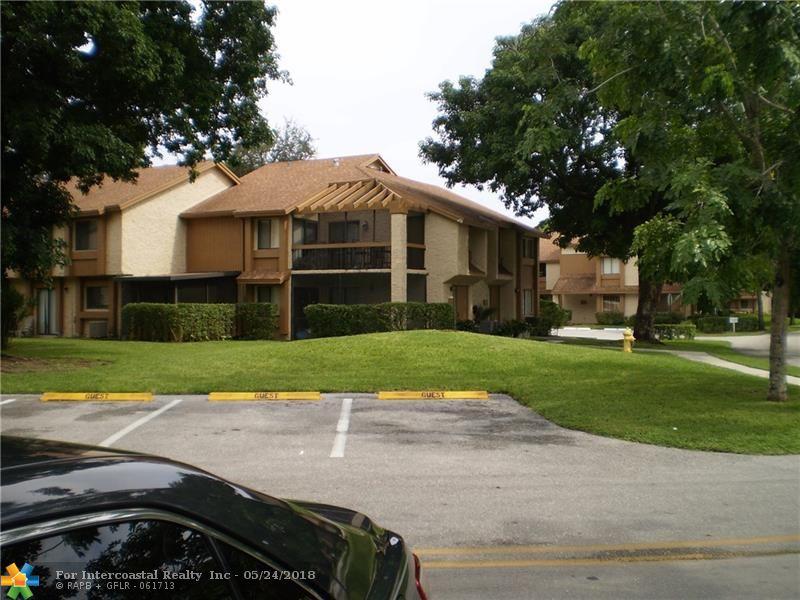 68 Wimbledon Lake Dr, Plantation FL