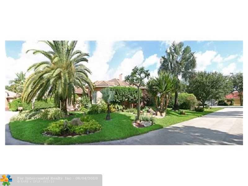 2700 Oak Tree Cir, Oakland Park FL