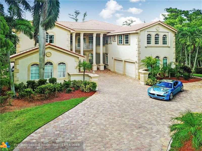 5230 Whisper Dr, Coral Springs FL