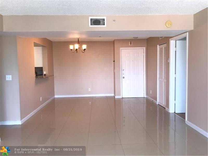1450 SE 3rd Ave, Unit #304, Dania Beach FL