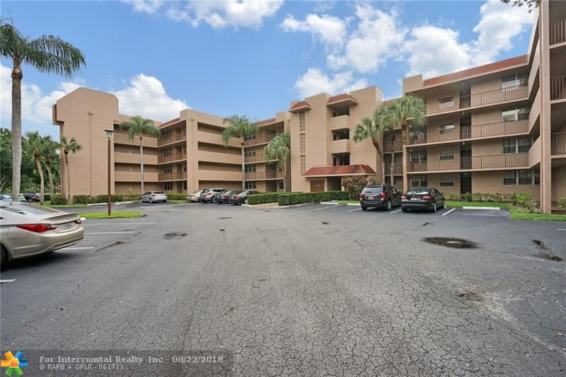 1911 Sabal Palm Dr, Unit #205, Davie FL