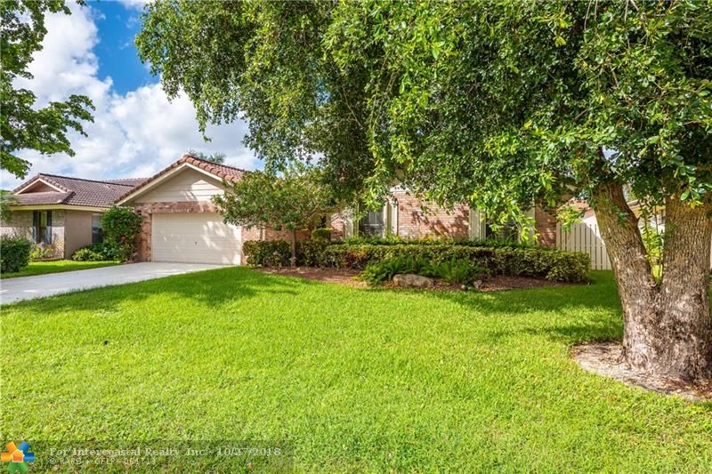 4018 NW 72nd Ave, Coral Springs FL