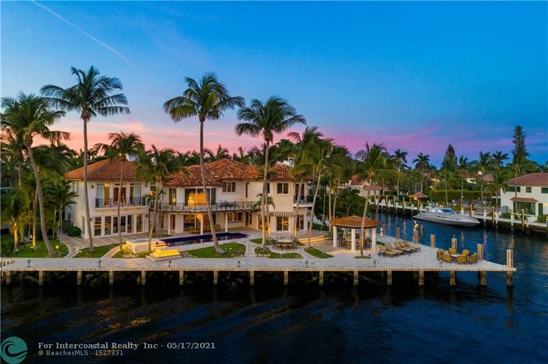 524 Isle Of Capri Dr