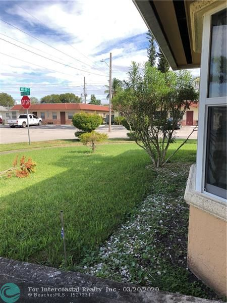 3132 NW 40th Ct, Lauderdale Lakes FL