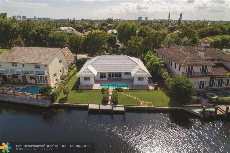 31 Bay Colony Dr Luxury Real Estate