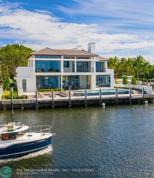 1425 E Lake Dr Luxury Real Estate