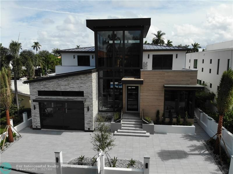 424 Coconut Isle Dr Luxury Real Estate