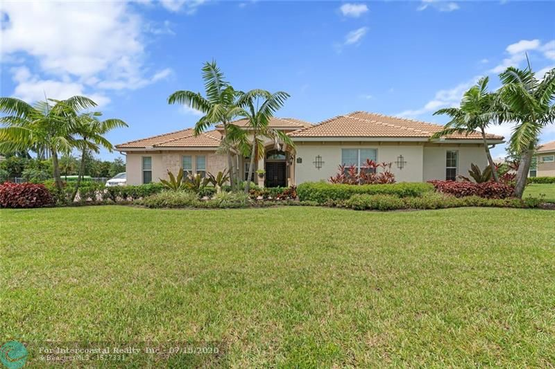 5442 S Sterling Ranch Cir, Davie FL