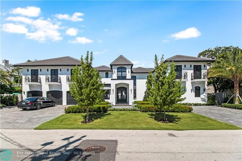 1601 E Lake Dr Luxury Real Estate
