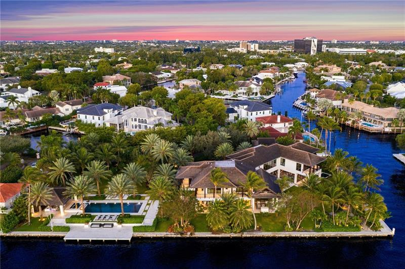141 Bay Colony Dr Luxury Real Estate
