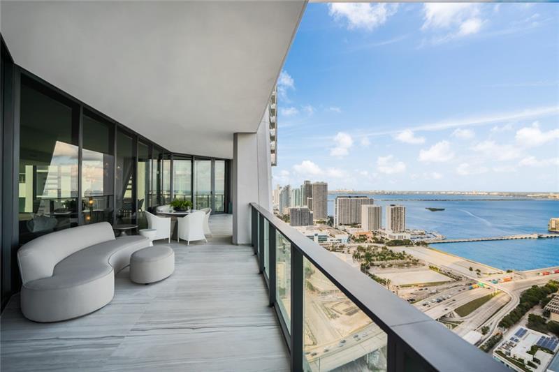 1000 Biscayne Blvd, Unit #4302 Luxury Real Estate