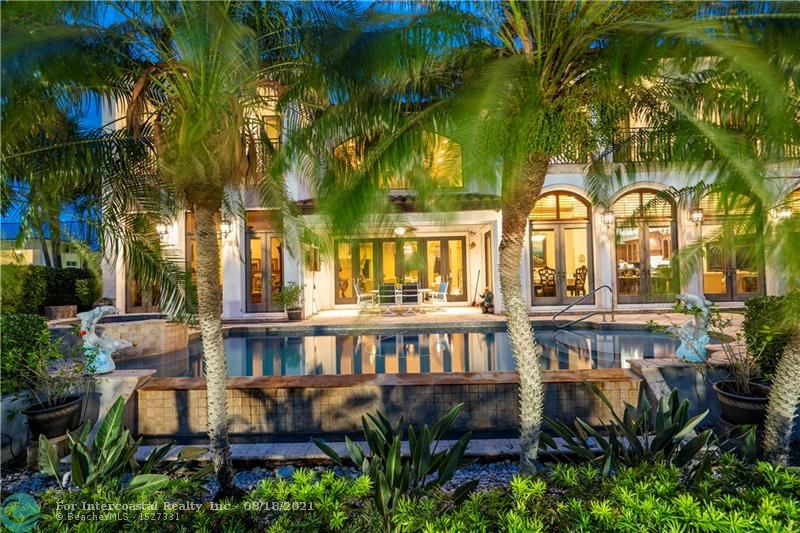 2524 NE 27th St Luxury Real Estate