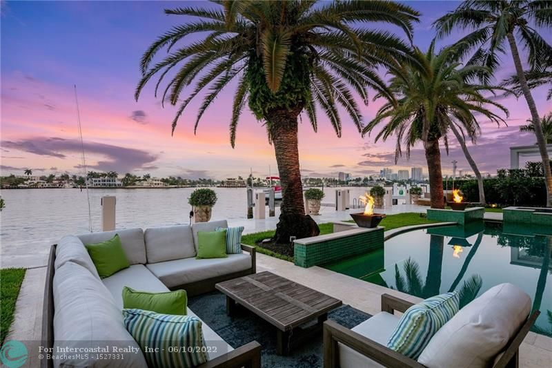 2418 Laguna Dr Luxury Real Estate
