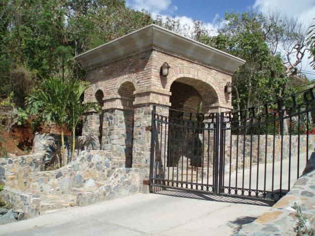 Gatehouse at Ditleff Point Entry