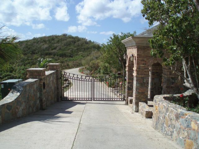 Gated Entry at Ditleff Point