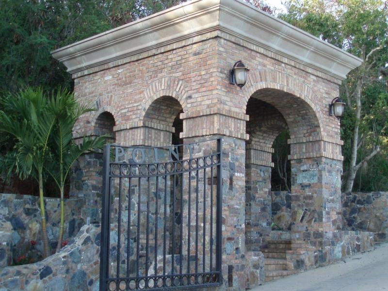 Gated Entry @ Ditleff Point