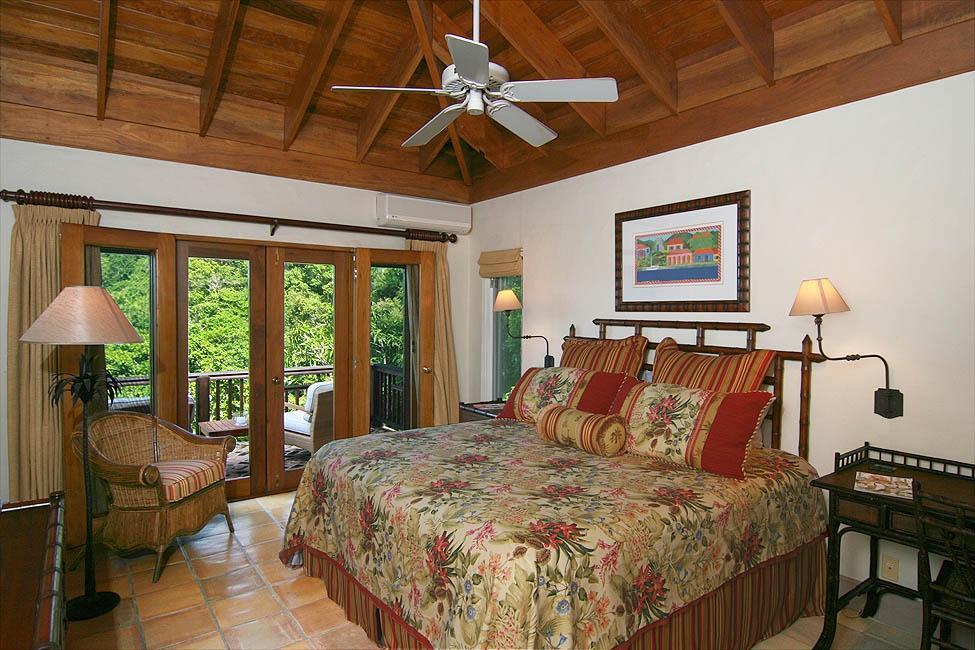 Guest Bedroom 4 with En Suite Bath
