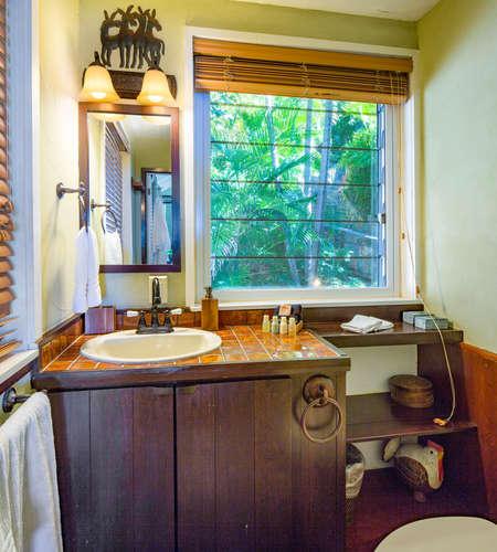 022 Palm suite bath